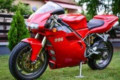 Rotes Motorrad Ducati 996s Stockfoto