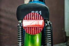 Rotes Rücklicht von einem Simson S51 Stockbild