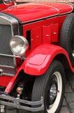 Rotes reto Auto Lizenzfreies Stockbild