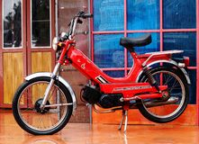 Rotes Retro- Motorrad Japans Stockfoto