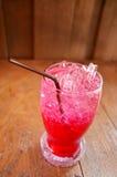 Rotes Sodawasser Stockfotos