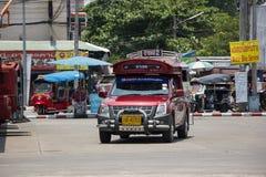 Rotes Taxi Chiang Mai, für Passagier vom Busbahnhof Stockfotografie