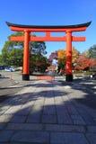 Rotes Torii im fujimi-inari in Japan Stockfoto