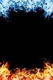 Rotes und blaues Feuer. Stockfoto