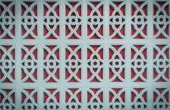 Rotes und blaues Muster auf der Wand Stockfoto