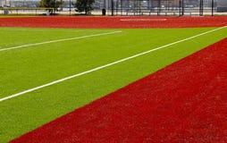 Rotes und grünes Vielzweckerholungs-Feld stockfotografie
