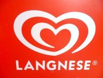 Rotes und weißes Langnese Zeichen Lizenzfreie Stockfotografie