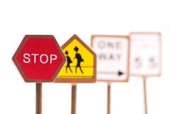 Rotes Verkehrs-Endzeichen Lizenzfreies Stockfoto