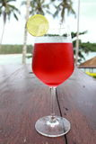 Rotes Zitronensoda stockfotos