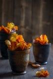 Rotfruktchips Fotografering för Bildbyråer