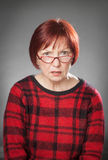 Rothaarige Frau, Porträt, Gesichtsausdruck, bitten lizenzfreies stockbild