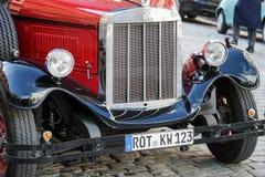 ROTHENBURG GERMANY/EUROPE - SEPTEMBER 26: Gammalmodiga röda bu arkivfoto