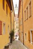 ROTHENBURG OB DER陶伯,德国- 9月5 :狭窄的街道v 库存图片