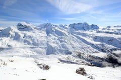 从Rothorn的看法3,103 m陈列瑞士阿尔卑斯的高山 瓦雷兹, Switzerland.Factories在瓦雷兹,瑞士散开抽烟作为工业废料到航空 免版税库存图片