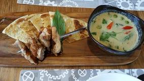 Roti和泰国咖喱 免版税库存图片