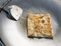 Roti Τηγανισμένο αλεύρι με την μπανάνα και το αυγό στοκ φωτογραφίες