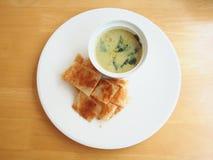 Roti con curry verde Immagini Stock Libere da Diritti