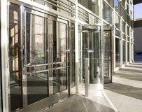 Rotierende Glastüren Stockfotos