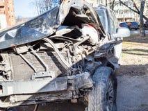 Roto como resultado de un coche del accidente de tráfico fotografía de archivo libre de regalías