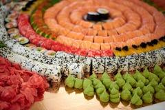 Rotoli di sushi di Delicios che approvvigionano Fotografia Stock Libera da Diritti
