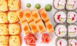 Rotoli di sushi messi Immagine Stock