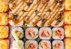 Rotoli di sushi messi Fotografia Stock
