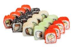 Rotoli di sushi stabiliti di Hanabi - isolati su fondo bianco Immagini Stock