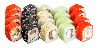 Rotoli di sushi stabiliti di Hanabi - isolati su fondo bianco Immagini Stock Libere da Diritti