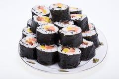 Rotoli freschi di maki dei sushi Immagini Stock Libere da Diritti