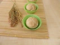 Rotoli i muffin con compitato, miglio e riso Immagini Stock Libere da Diritti