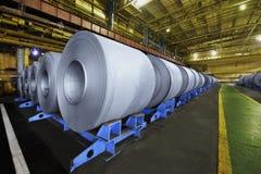 Rotoli imballati della lamiera di acciaio Immagini Stock