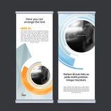Rotoli sul vettore verticale del modello di progettazione dell'insegna di affari Fotografia Stock Libera da Diritti