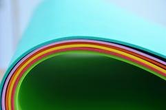 Rotolo del bordo della gomma espansa di colore Fotografie Stock