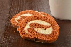 Rotolo del dolce alle carote Immagine Stock Libera da Diritti