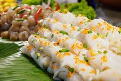 Rotolo di crêpe della tagliatella di riso con gamberetto, carne di maiale e la verdura Fotografia Stock Libera da Diritti