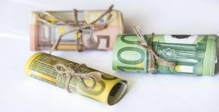 Rotolo di euro nastro del cavo della cordicella e dei soldi Immagini Stock Libere da Diritti