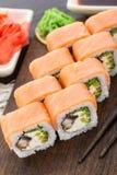 Rotolo di sushi con il salmone e l'anguilla Fotografia Stock Libera da Diritti