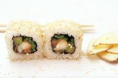 Rotolo e zenzero di sushi Fotografie Stock Libere da Diritti