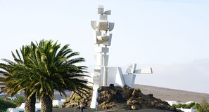 Rotonda con il monumento di tributo al contadino fotografia stock libera da diritti