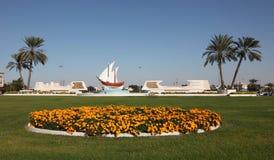 Rotonda del Kuwait nella città di Sharjah immagine stock