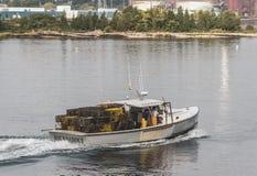 Rotonda della barca dell'aragosta nel porto di New Bedford immagine stock libera da diritti