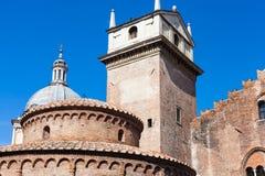 Rotonda Di SAN Lorenzo και πύργος ρολογιών σε Mantua Στοκ Εικόνα