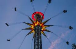 Rotonde met verlichting tegen de achtergrond van de donkere hemel Stock Foto
