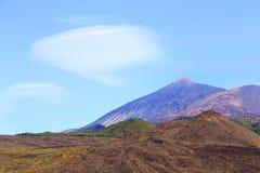 Rotor chmura wokoło El Teide, Tenerife zdjęcia stock