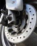 Rotor do freio e placa de apoio usados na motocicleta Imagens de Stock Royalty Free