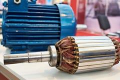 Rotor med den kopparslingriga elektriska motorn royaltyfria bilder