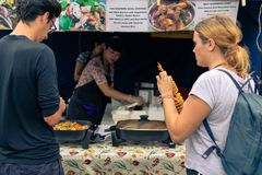 Rotorua-Nacht-Market Street-Nahrung Rotorua Neuseeland lizenzfreie stockfotos