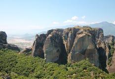 Rots dichtbij Heilig Klooster van Meteora, Griekenland Royalty-vrije Stock Afbeeldingen