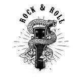 Rots - en - broodje Gitaarhoofd met slang en rozen Ontwerpelement voor affiche, kaart, banner, embleem, t-shirt vector illustratie
