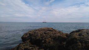 rots en schip Royalty-vrije Stock Fotografie